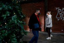 Photo of Κορωνοϊός: Χριστούγεννα με sms στο 13033 και ψώνια με click away